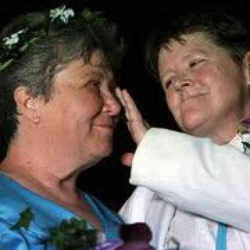 Dos mujeres protagonizan la primera boda homosexual en Nueva York