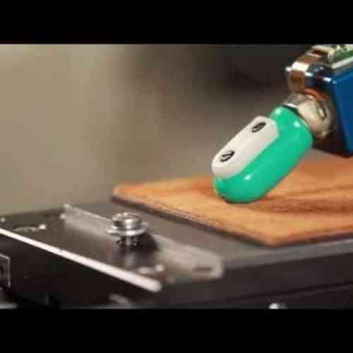 Diseñan un dedo robótico con un sentido del tacto más agudo que el humano