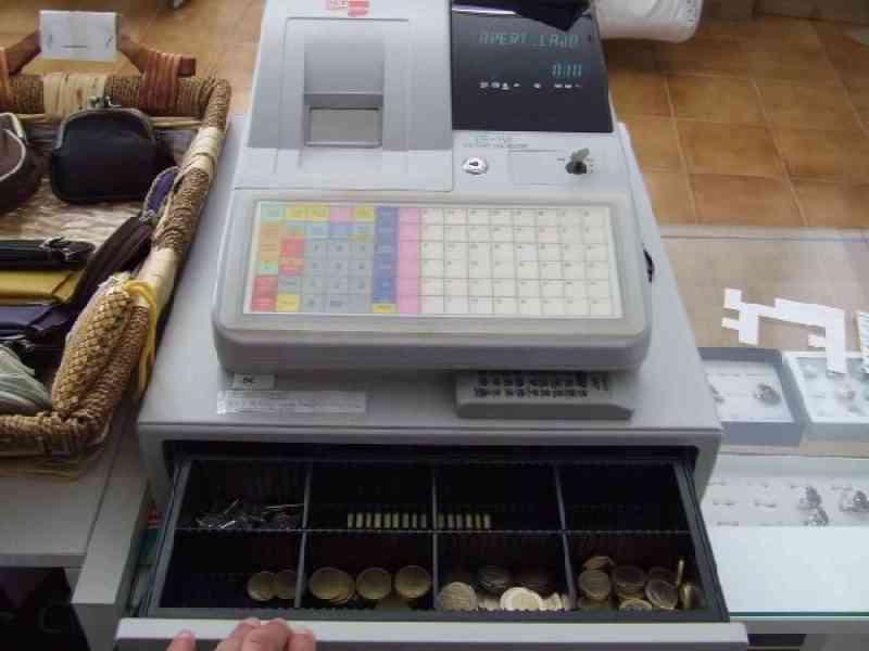 Le despiden por robar un euro