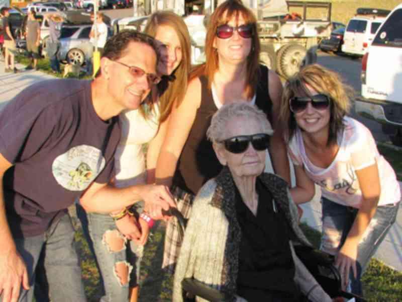 Mujer de 101 años consigue un Records Guinness