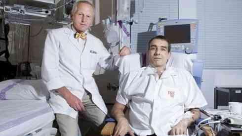 Un hombre vive cuatro meses sin corazón en Praga
