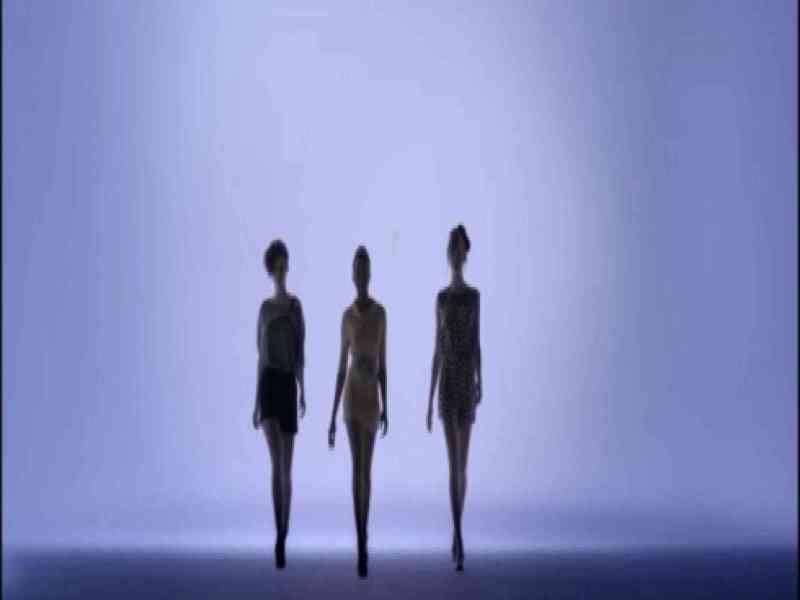 Tacones y minifaldas… ¿para atraer mujeres a la ciencia?
