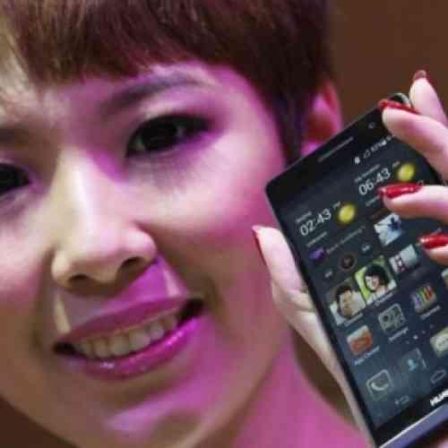 Inventan una batería para smartphone que se carga con la orina