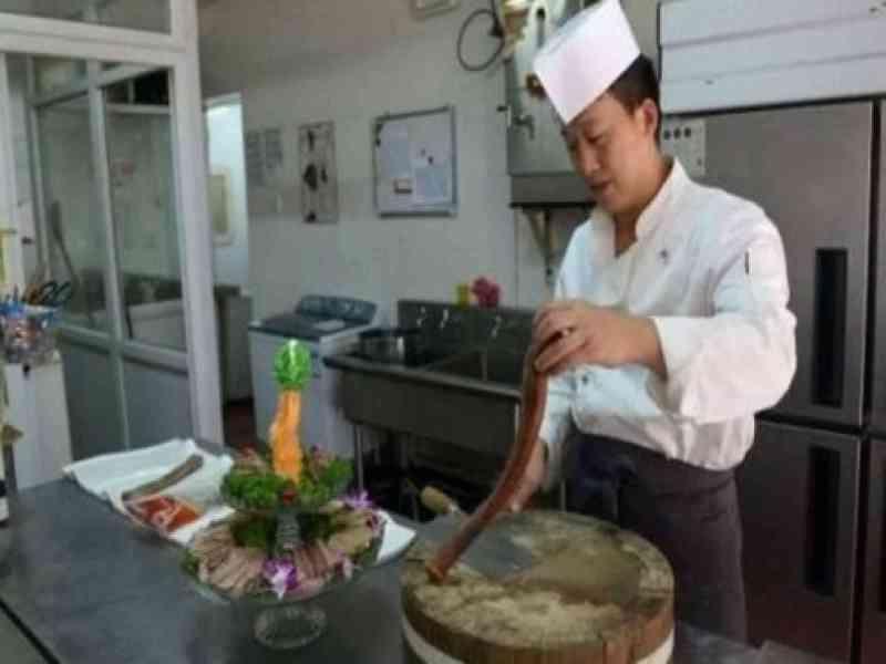 Un restaurante chino ofrece penes de animales en sus platos