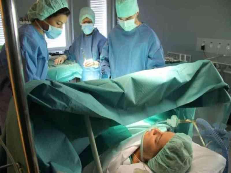 Un bebé nace de una mujer que llevaba tres meses en muerte cerebral