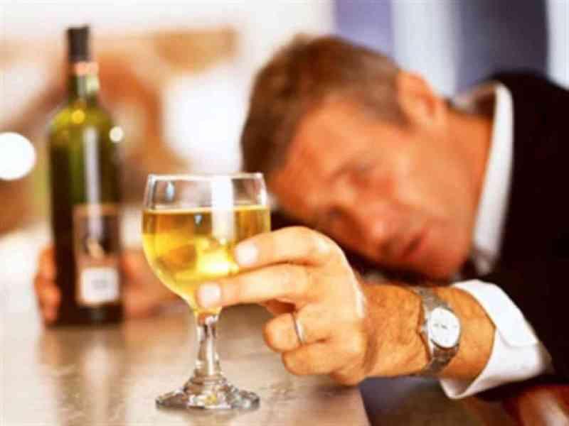 Los científicos afirman que los bebedores viven más que los abstemios
