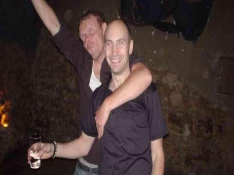 El estómago de un hombre destila alcohol por una enfermedad rara