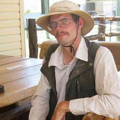 Un alemán perdido en el desierto australiano sobrevive comiendo moscas