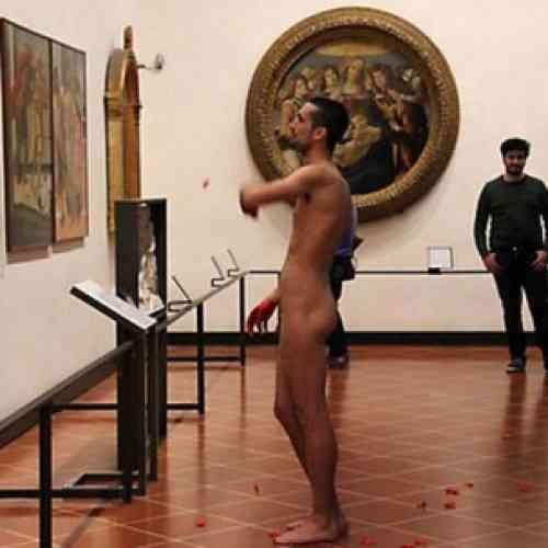 Un turista español se desnuda ante la Venus de Boticelli en un museo de Florencia