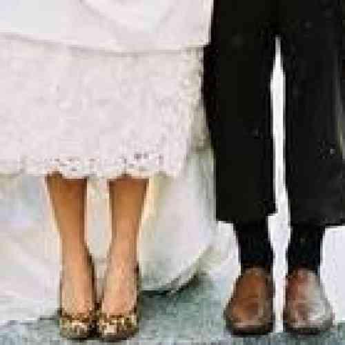 Suspenden una boda en Indonesia tras descubrir que el novio es una mujer